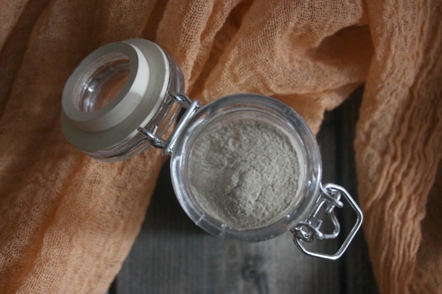 Lesson 2: How To Get Better Skin With A Gingersnap Face Mask