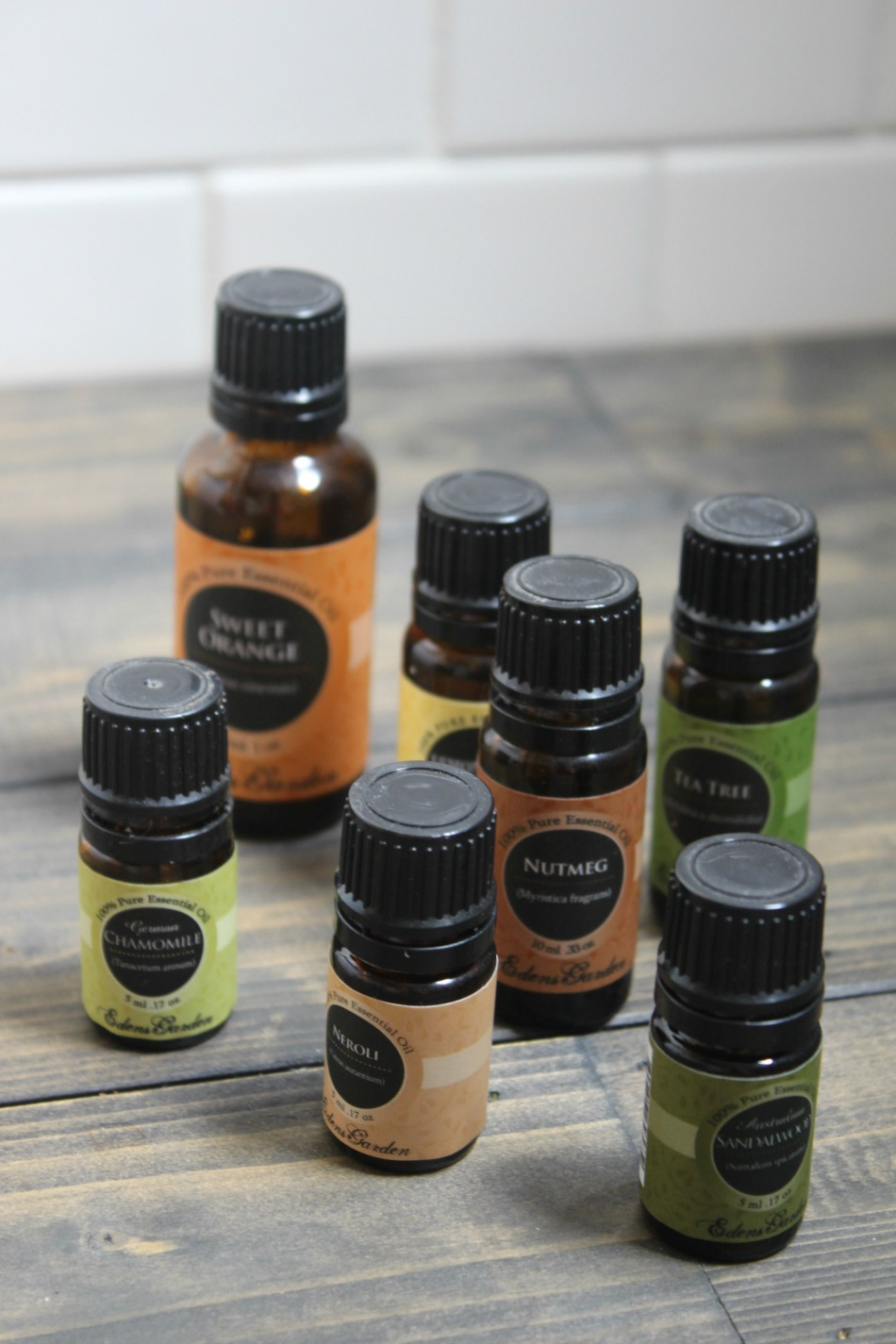 Blending Essential Oils for Beginners | Growing Up Herbal | Learn how to create your own essential oil blends from scratch by following these simple steps. Perfect for essential oil beginners!